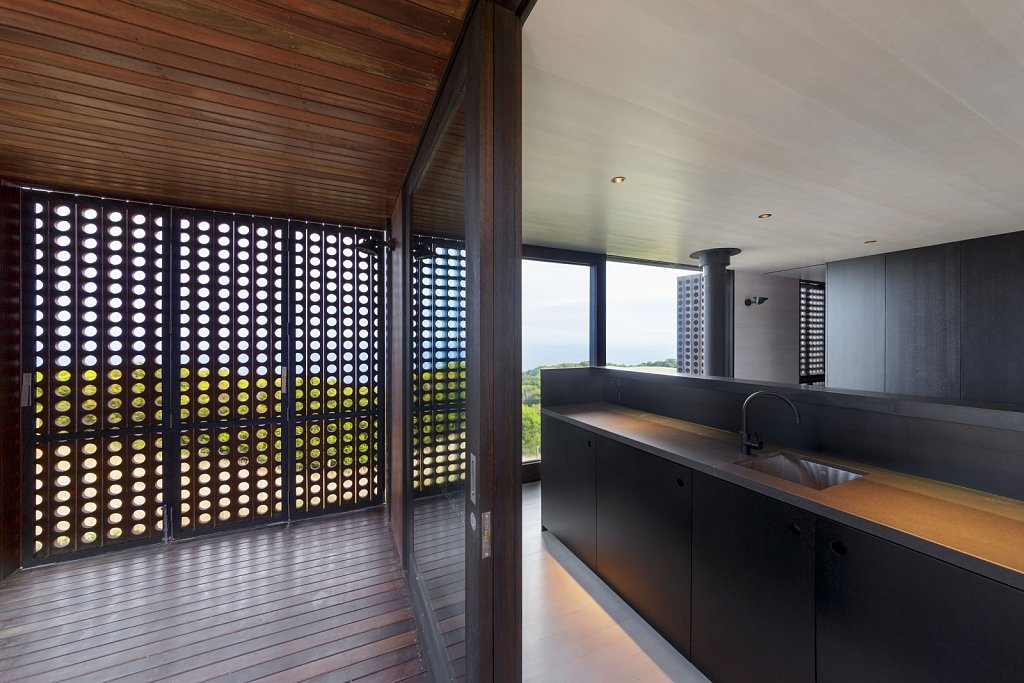 Moonlight Cabin // Jackson Clements Burrows Architects